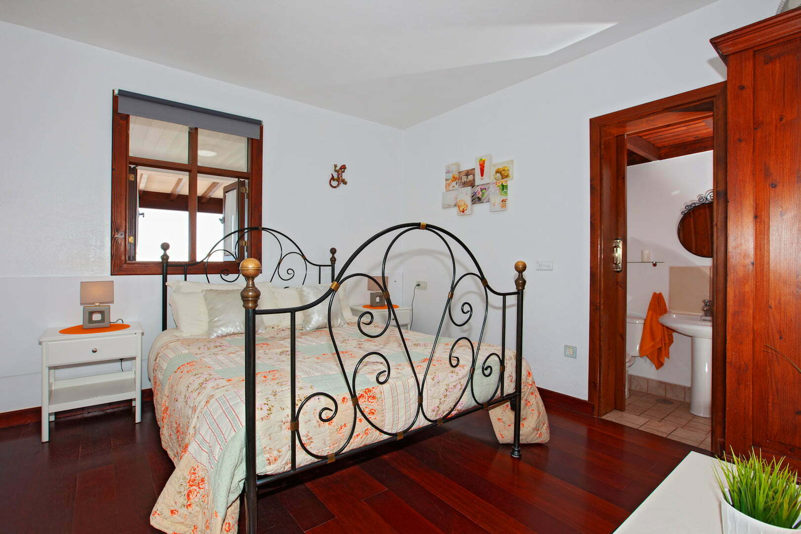 Paraiso - Macher - Double Bedroom with King Size Bed