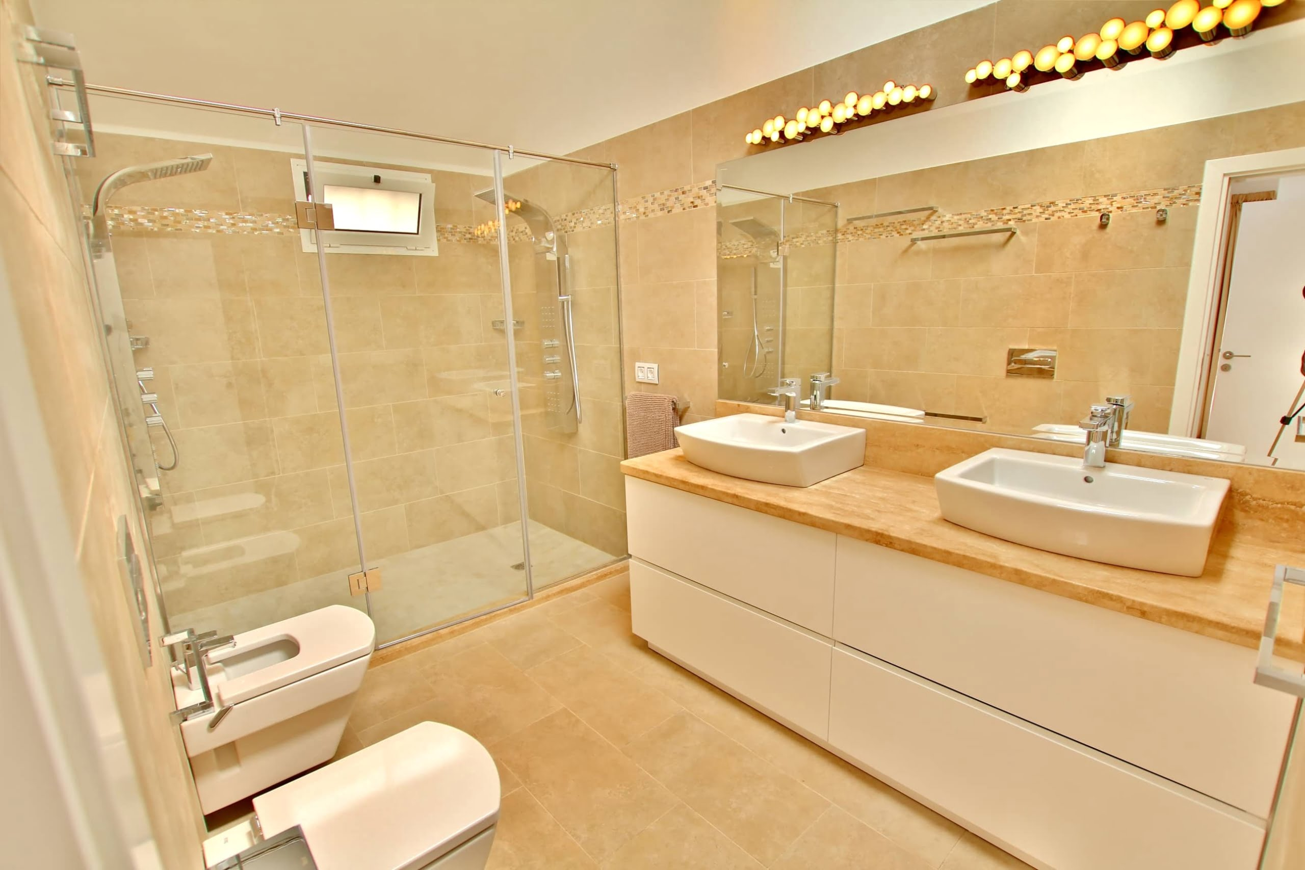The Lodge - Master Bathroom - Sleeps 6 - Los Mojones - Lanzarote