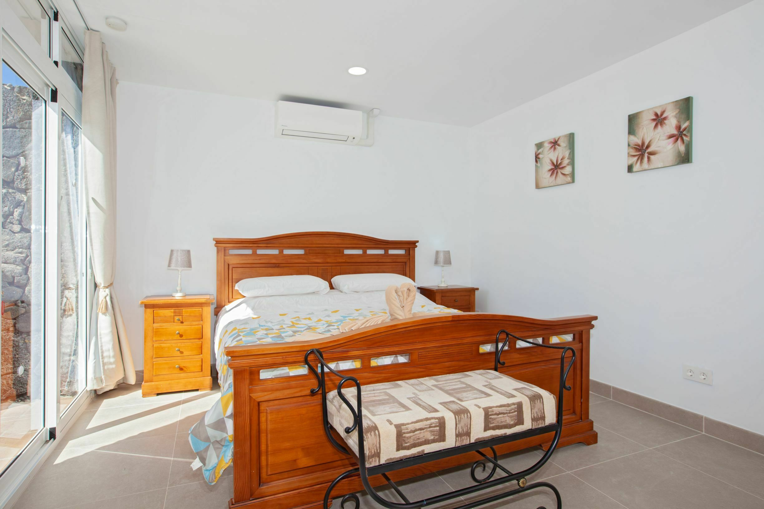 Casa Cristal - Double Bedroom - Super King Sized Bed