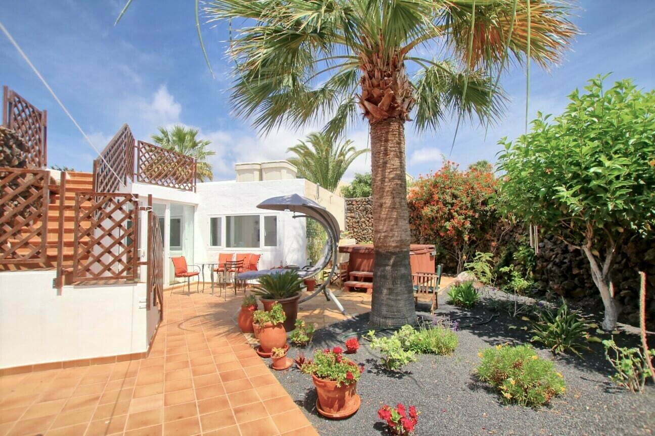 The Lodge - Back Garden - Lanzarote