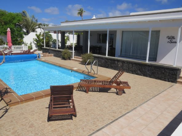 Villa Sama - Puerto Calero - Lanzarote - 4 Bedrooms - 3 Bathrooms - Sleeps 8 Guests - Heated Swimming Pool - Hot Tub - Sun Lounger
