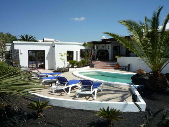 Villa Verano - 3 Bedroom Villa Lanzarote - Heated Swimming Pool - Sun Terrace Sleeps 6 Guests