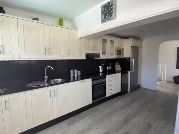 Villa Jessica - Large Fully Fitted Kitchen